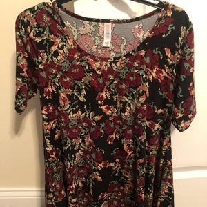Lularoe XXS (fits a small) Top